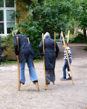 Spielnachmittag mit Kindern und Eltern in Zusammenarbeit mit dem benachbarten StadtteilkulturzentrumHaus Drei