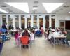 Mittagessen gibt es in der Schulkantine. Die Kinder essen im Klassenverband.  Foto: B.Hüning/BMBF