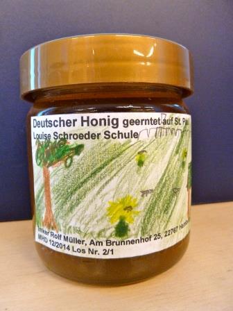 Unser Honig, geernet in Zusammenarbeit mit dem Imker Rolf Müller. Foto: Michael Rieger