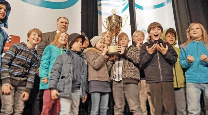Unsere Schachmannschaft holt den Pokal!!!