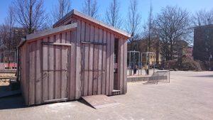 Das Holzhäuschen auf dem Schulhof ist der Arbeitsbereich der Streitschlichter. Foto: Christine Buckow